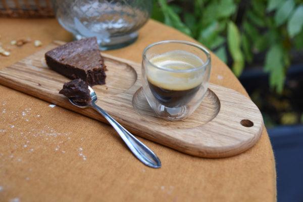 Assiette en bois pour le service des desserts et cafés gourmands